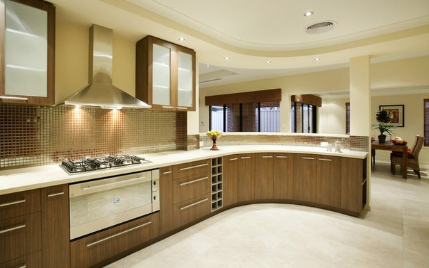 Contemporary Kitchen by KAMAL PREET