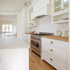 Farmhouse Kitchen by ZeroEnergy Design
