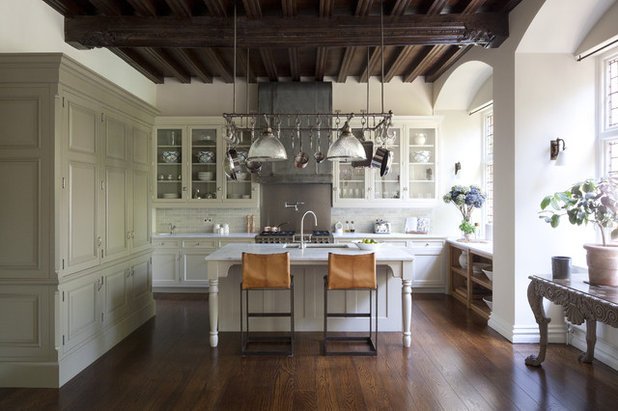 Traditional Kitchen by Artichoke