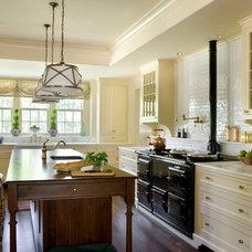Traditional Kitchen by Elizabeth Brosnan Hourihan Interiors