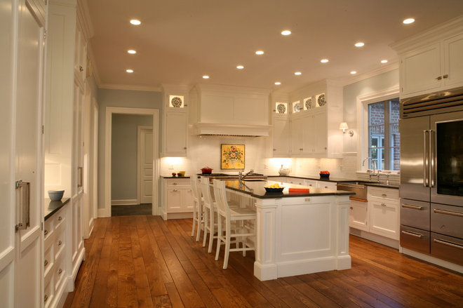 Traditional Kitchen by Melichar Architects