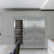 Contemporary Kitchen by Sub-Zero & Wolf Appliances