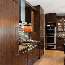 Contemporary Kitchen by DEICHMAN CONSTRUCTION