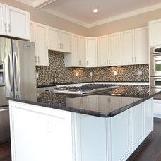 Modern Kitchen by ISD Kitchen and Bath Renovations