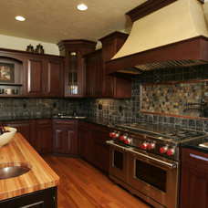 Traditional Kitchen by Richards Construction, Inc.