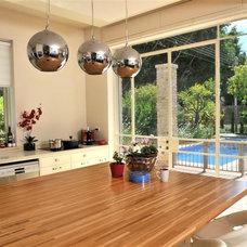 Kitchen by NURIT GEFFEN-BATIM STUDIO