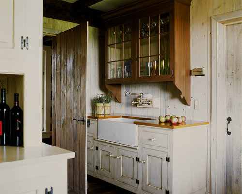 farmhouse kitchen sink rustic kitchen cabinets houzz 3707