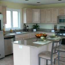 Contemporary Kitchen by Whitehall Interiors & Home Staging