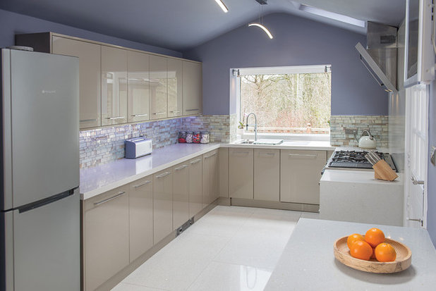 Contemporary Kitchen by Kitchen Makeovers. Don't Replace It, Reface It!
