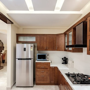 Contemporary kitchen pictures - Example of a trendy kitchen design in Bengaluru