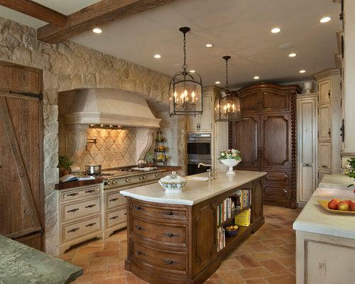 imagen de cocina comedor en u clsica renovada grande con fregadero sobremueble