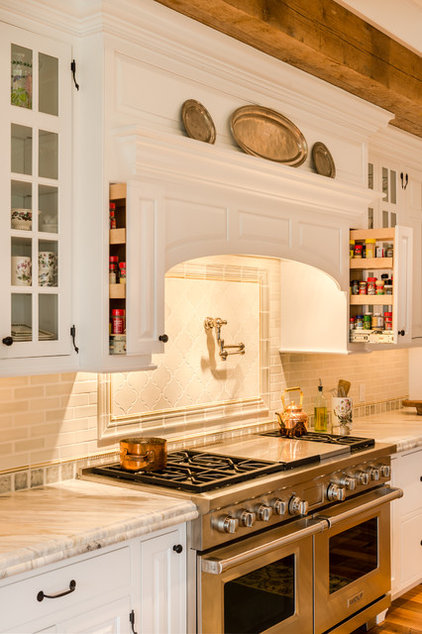 Traditional Kitchen by Period Architecture Ltd.