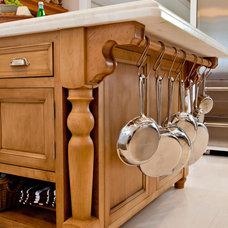 Kitchen by Lewis & Weldon Custom Kitchens
