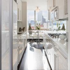 Contemporary Kitchen by Smith Firestone Associates