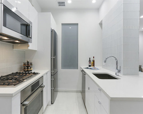 Small white kitchen houzz for Small white kitchen ideas