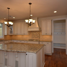 Traditional Kitchen by SEKAS HOMES LTD