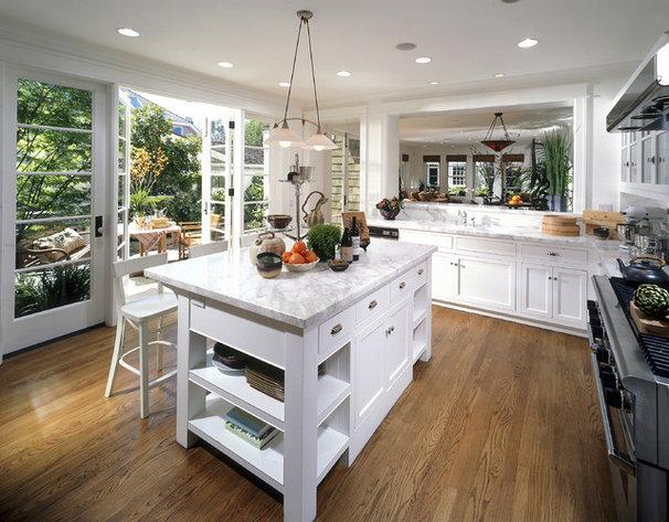 Traditional Kitchen by Sennikoff Architects