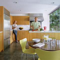 modern kitchen by Paul Davis Architects PC