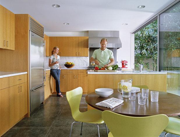 Modern Kitchen by Paul Davis Architects