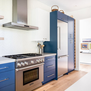 Inspiration for a mid-sized midcentury kitchen in Orange County.