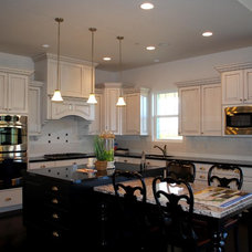 Traditional Kitchen by Rainey Homes