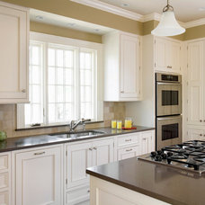 Traditional Kitchen by Morse Constructions Inc.