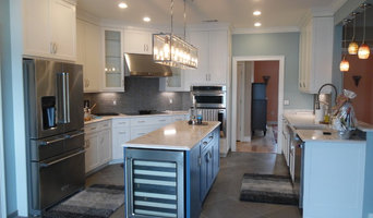 Nice 5000 square foot house with kitchen and 4 baths.