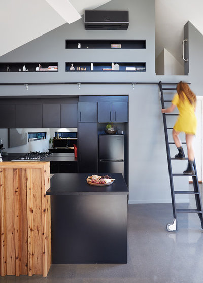 Contemporary Kitchen by Small Change Design and Construction