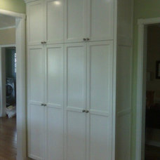 Traditional Kitchen by Wright Cabinetry