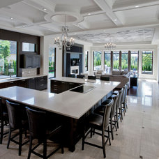 Traditional Kitchen by VictorEric
