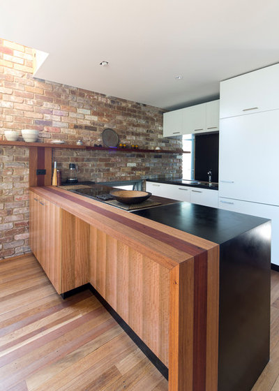 Contemporary Kitchen by Drew Heath Architects