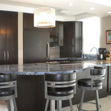 Contemporary Kitchen by KLC Design & Build General Contractor