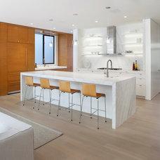 Modern Kitchen by Design Line Construction, Inc.