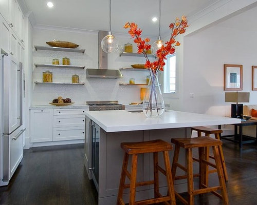 Square island houzz for Square kitchen designs with island