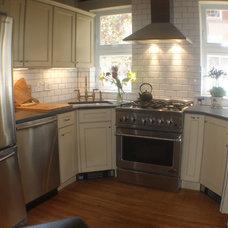 Traditional Kitchen by Bella Brothers Construction