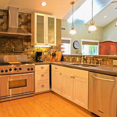 Traditional Kitchen by Scott Contruction & Design