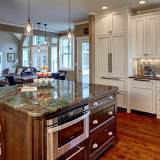 Traditional Kitchen by Provanti Designs, Inc