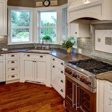 Traditional Kitchen by Provanti Designs, Inc