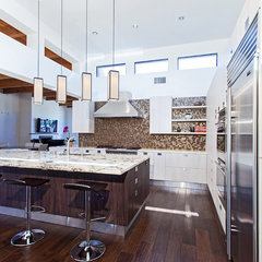 contemporary kitchen by Trenzgroup