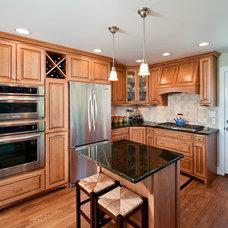 Traditional Kitchen by Henderer Design + Build