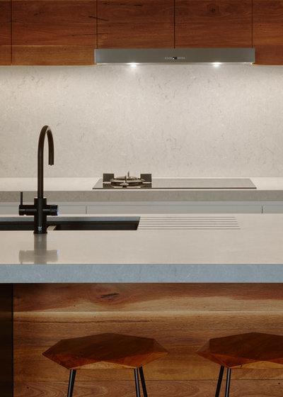 Contemporary Kitchen by Rebecca Naughtin Architect