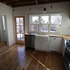 Farmhouse Kitchen by AA Craftsman, Inc.