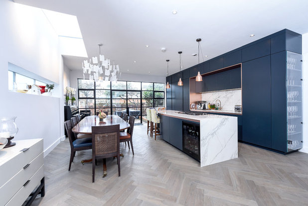 Contemporary Kitchen by Such Designs