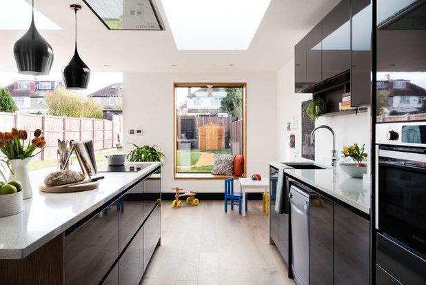 Contemporary Kitchen by Beacham Architects