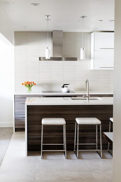 Modern Kitchen by Anne Grice Interiors