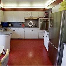 Modern Kitchen by SBaird Design