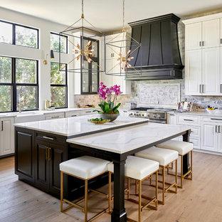 Transitional kitchen designs - Transitional kitchen photo in Austin