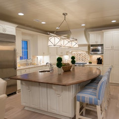 traditional kitchen by Blue Sky Building Company