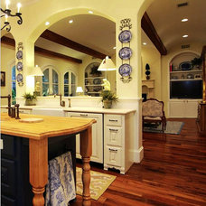 Traditional Kitchen by LLB Traditional Design