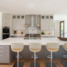Contemporary Kitchen by TATUM BROWN CUSTOM HOMES